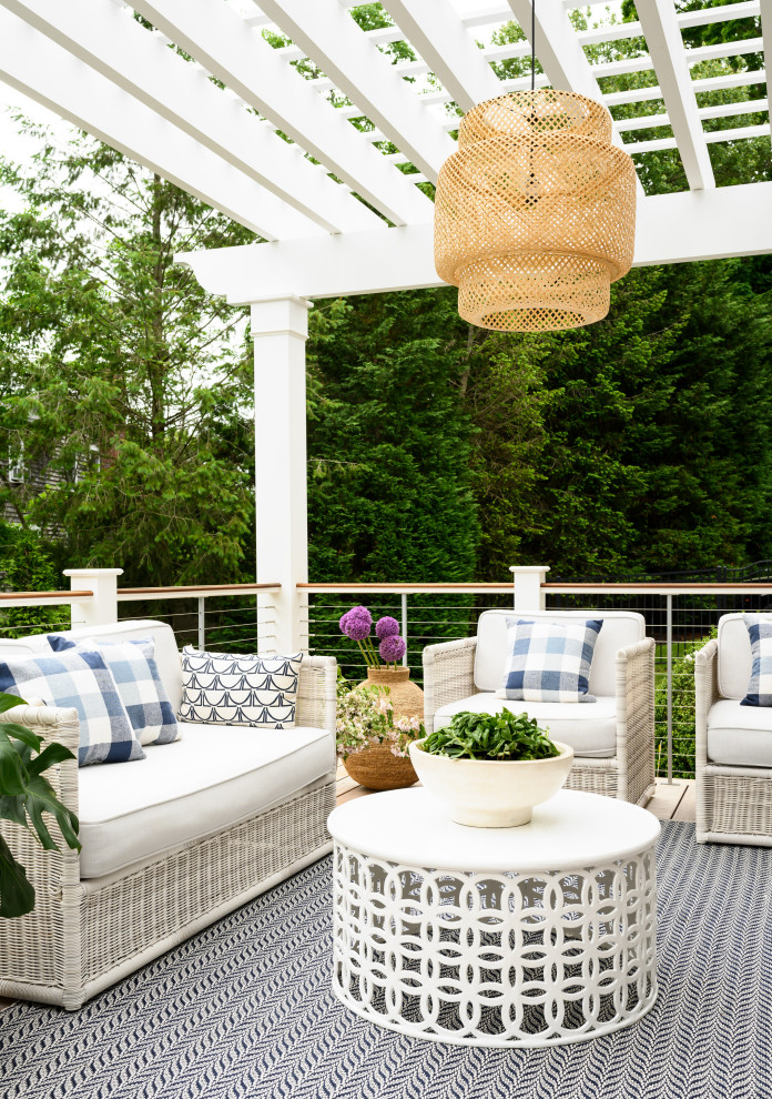 16 Beautiful Shabby-Chic Deck Designs For A Whimsical Yard