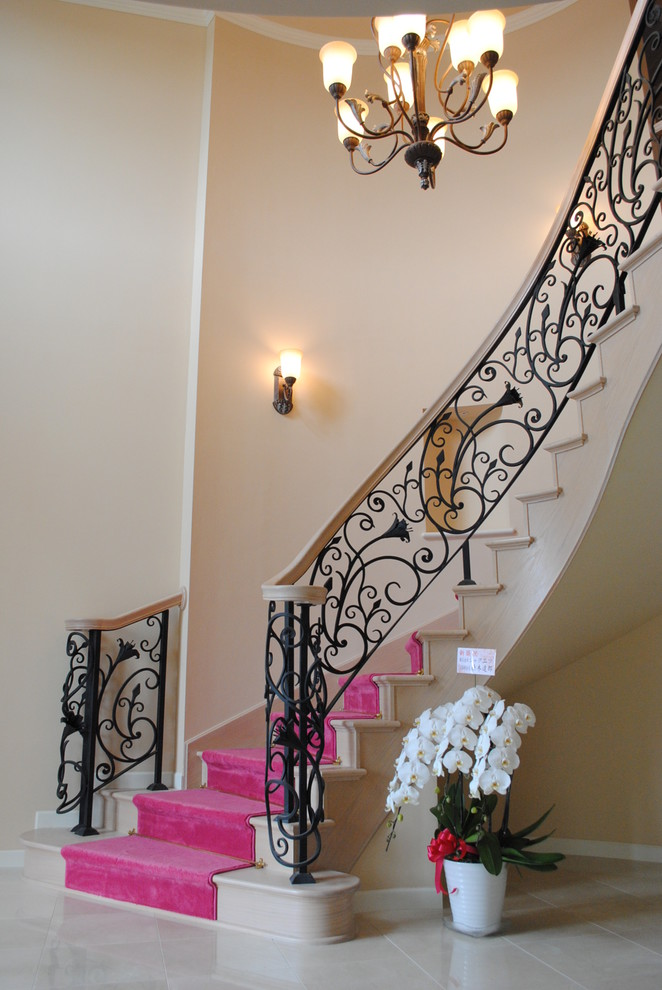 16 Charming Shabby-Chic Staircase Designs For A House Or Loft