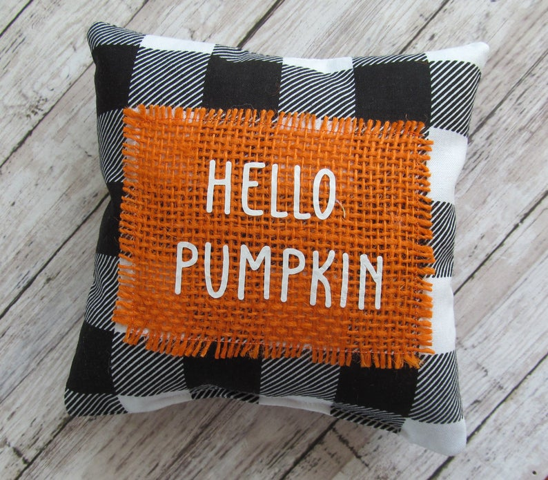 16 Majestic Fall Pillow Designs That Will Beautify Your Home