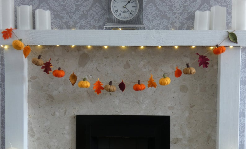 17 Beautiful Fall Garland Designs For Subtle Decor