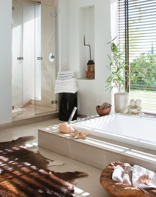 A Large Bathtub As the Protagonist in the Bathroom