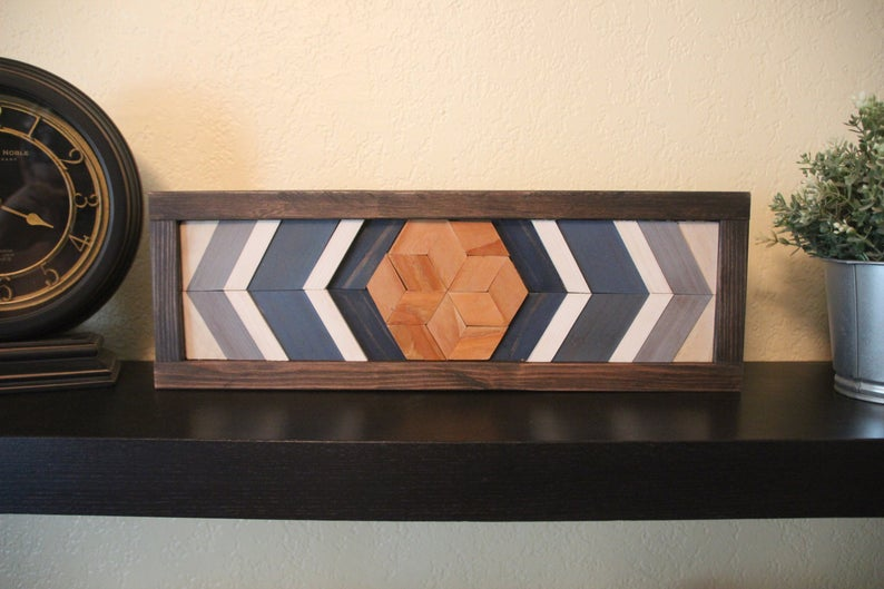 20 Creative Wall Decor Ideas Made From Reclaimed Pallet Wood