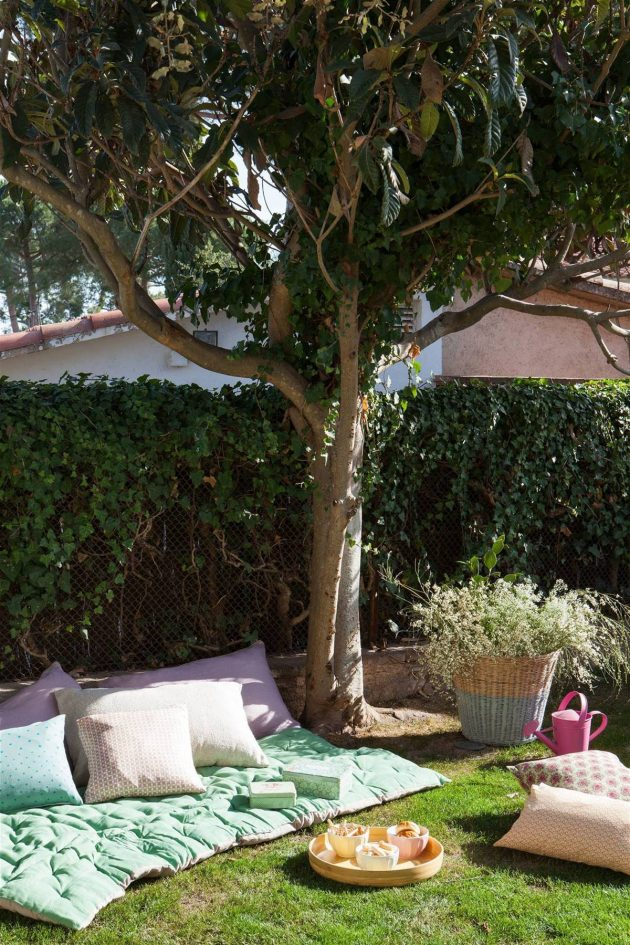 How to Decorate a Small Garden?