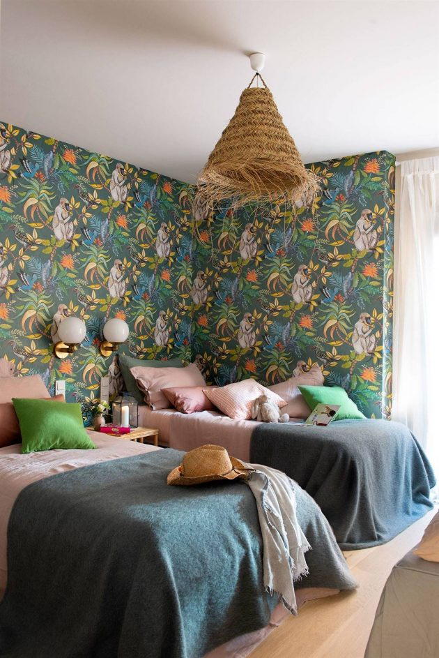 How to Combine Curtains With Paint?