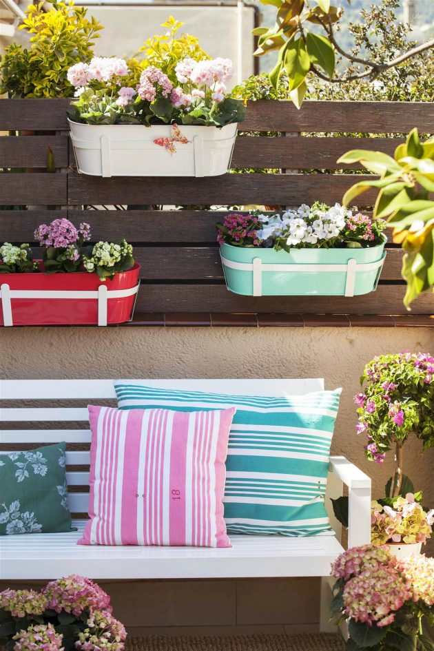 7 Essential Pieces for Small Terraces