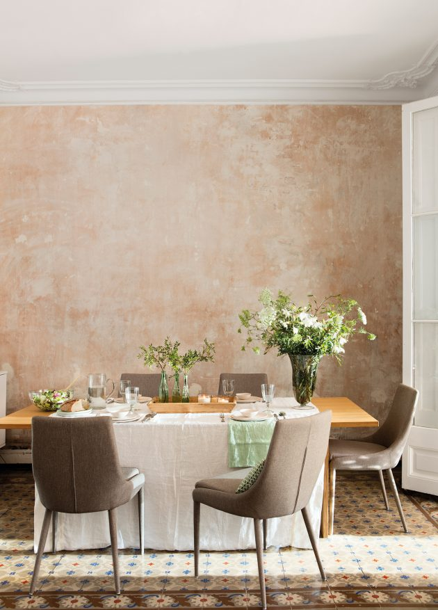 How to Properly Decorate the Dining Room Wall