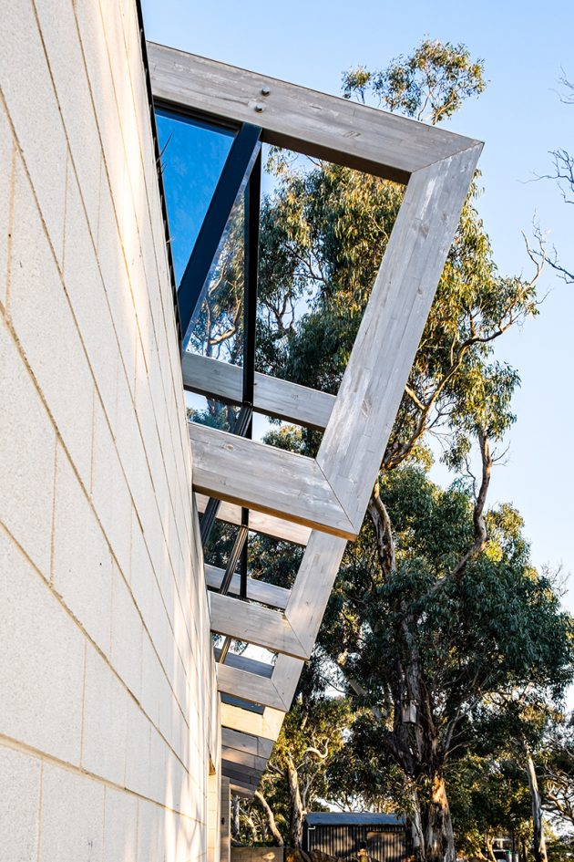 Bellarine Hillside House by Freehand Projects in Victoria, Australia