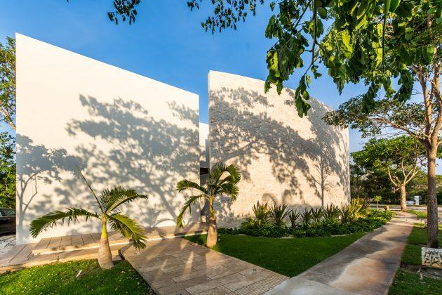 Ecomaya House by Seijo Peon Arquitectos y Asociados