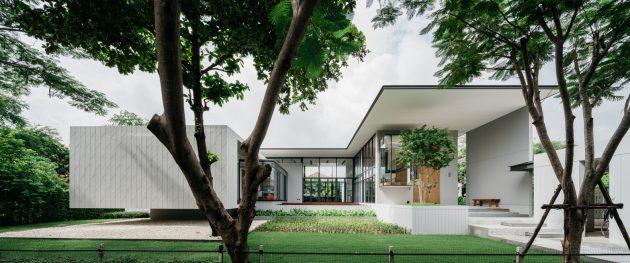 Ratchada 18 Residence by AOMO in Huai Khwang, Thailand