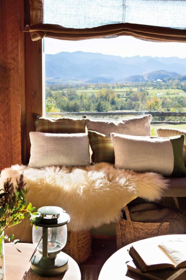 Fall Living Rooms With Lots of Ideas To Implement
