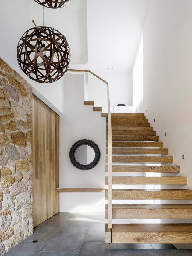 Sticks & Stones House by Luigi Rosselli in Hunters Hill, Sydney