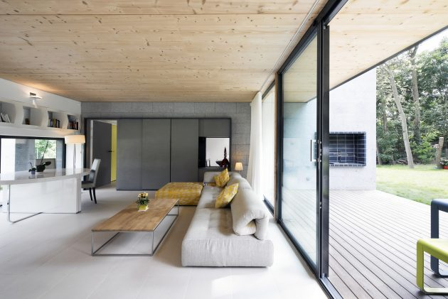 War House by A+B Architectes DPLG in Montmorency, France