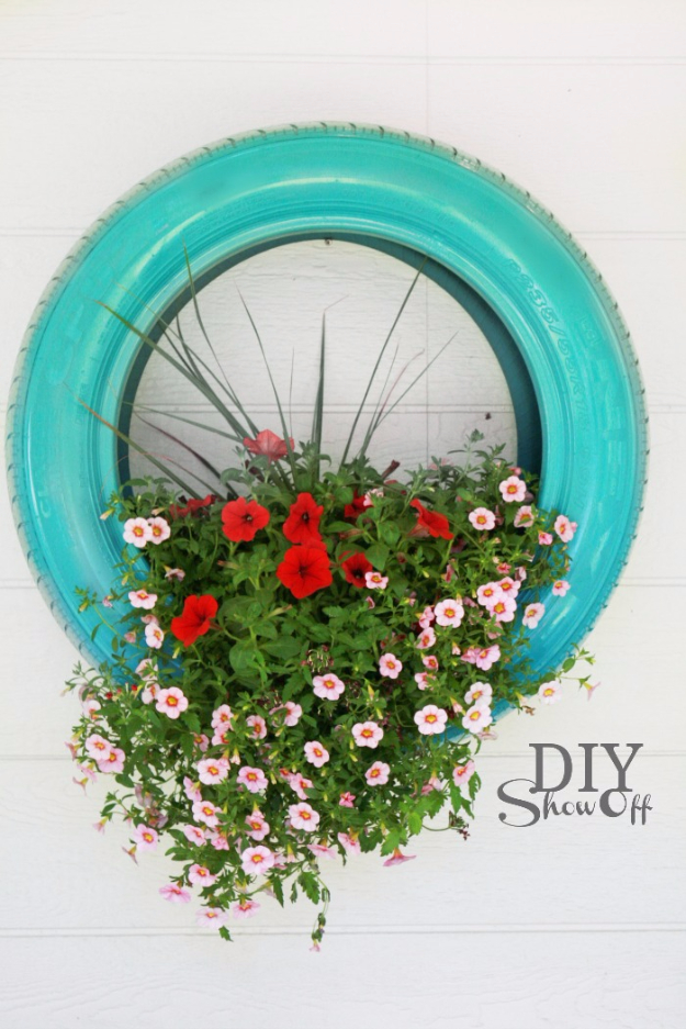 15 Clever DIY Projects You Can Complete From Discarded Stuff