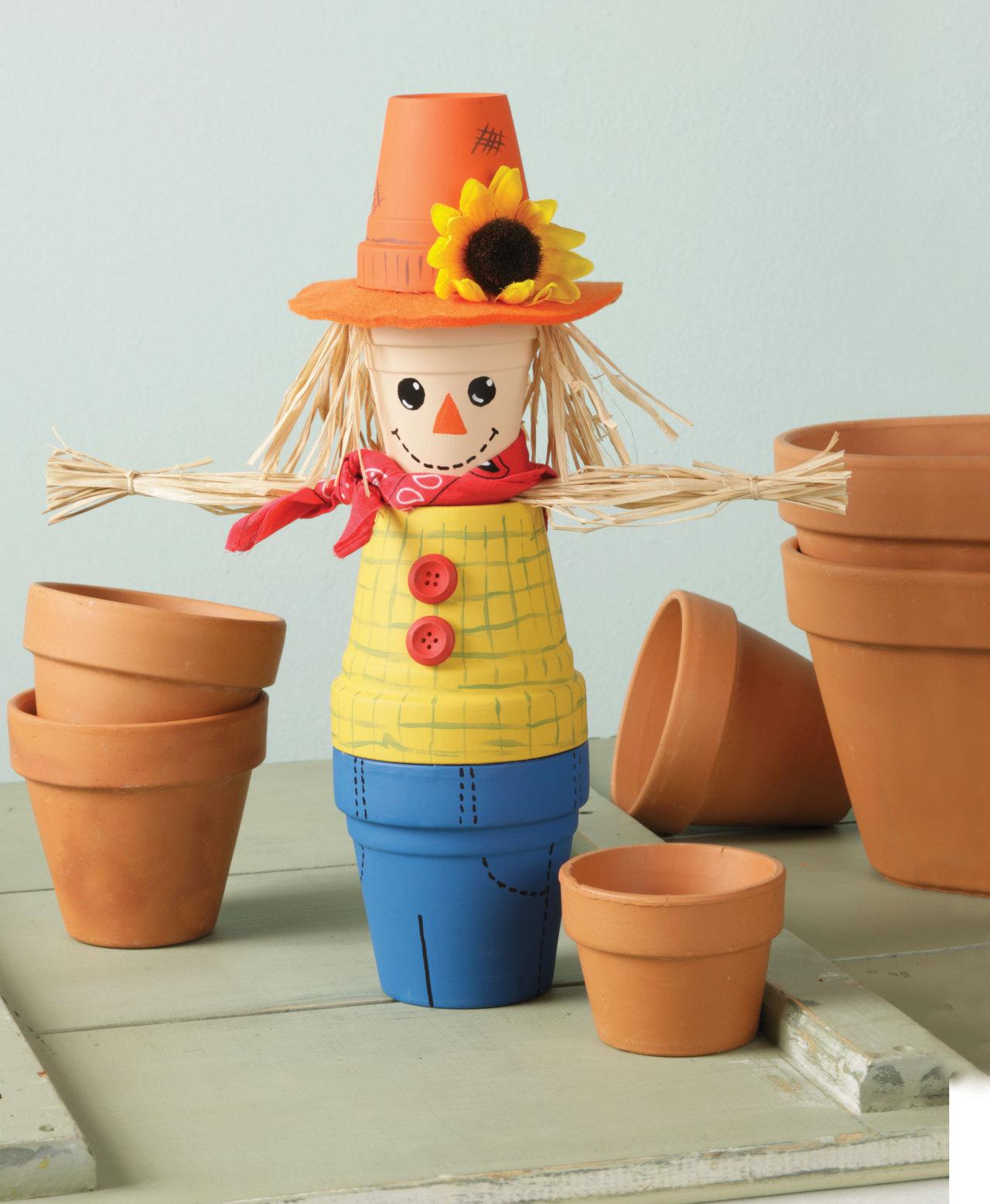 16 Adorably Cute DIY Scarecrow Decoration Ideas For Fall