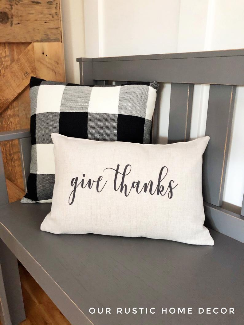 16 Charming Thanksgiving Pillow Designs That Make The Perfect Gift
