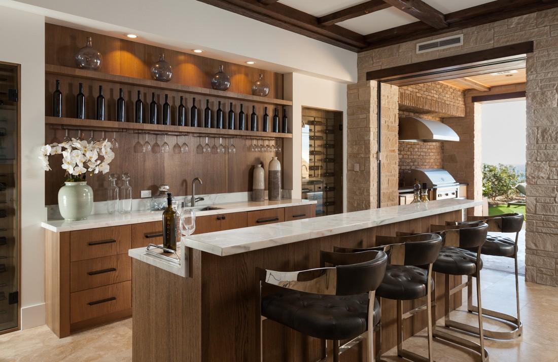 16 Opulent Mediterranean Home Bar Designs For A Luxurious Experience