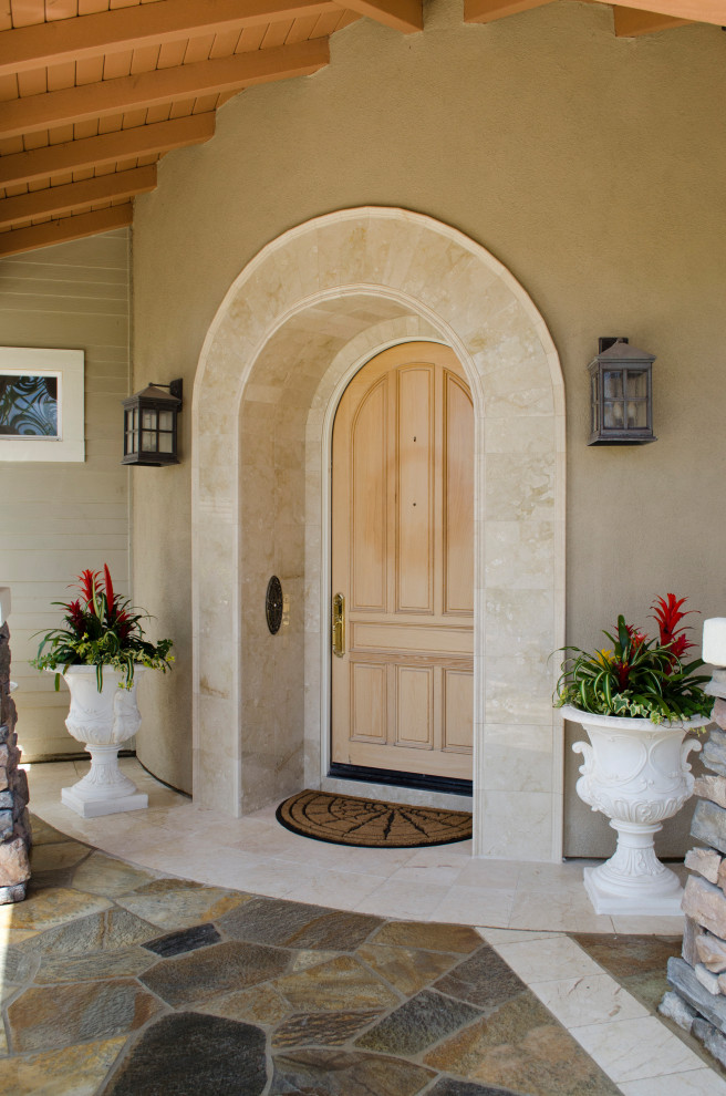 17 Inviting Mediterranean Entrance Designs That Will Steal Your Gaze