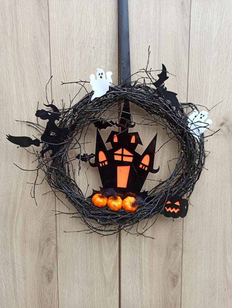 18 Last-Minute Halloween Wreath Designs With A Super Scary Vibe