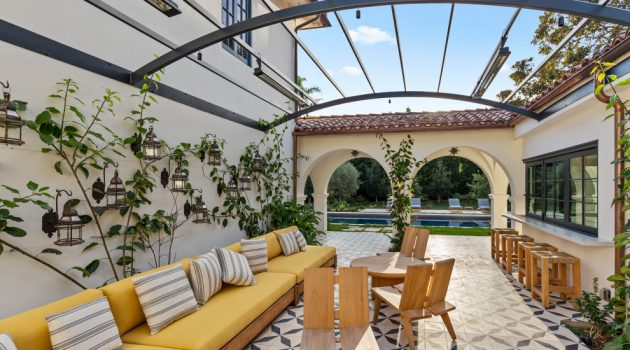 18 Remarkable Mediterranean Patio Designs That Will Leave You Breathless
