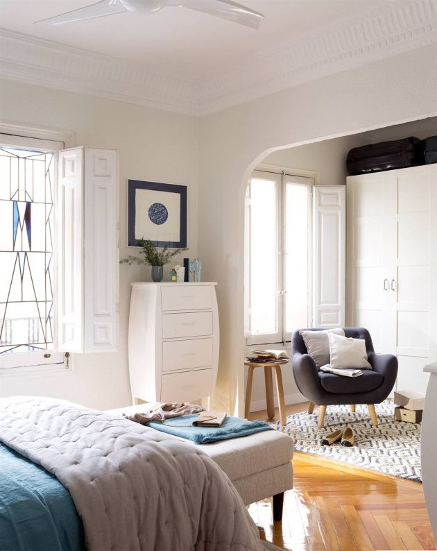 Chiffonier - The Perfect Auxiliary for Small Spaces