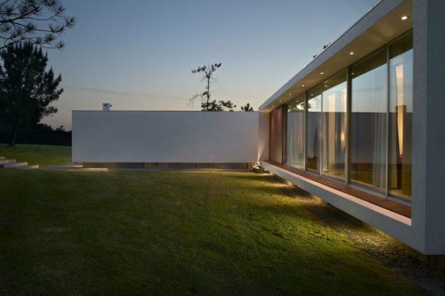 Cerveira House by dEMM Arquitectura in Vila Nova de Cerveira, Portugal