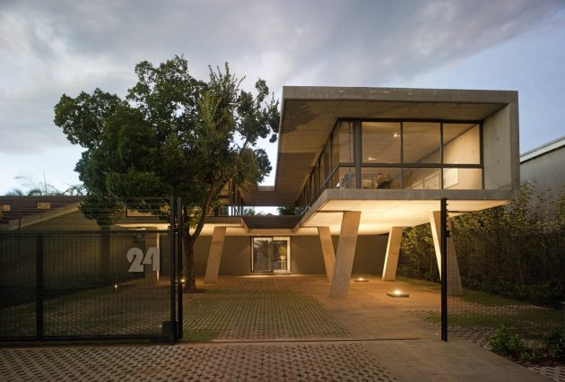 Floating in Space by W Design Architecture Studio in Pretoria, South Africa