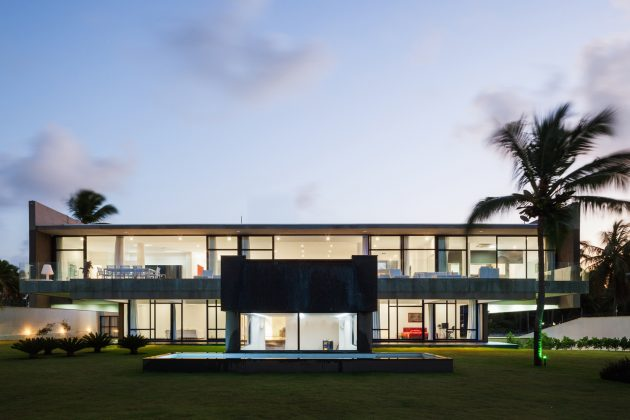 Giz Hollywood House by Yuri Vital in Tibau do Sul, Brazil