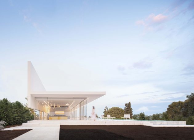 Hofmann House by Fran Silvestre Arquitectos in Valencia, Spain