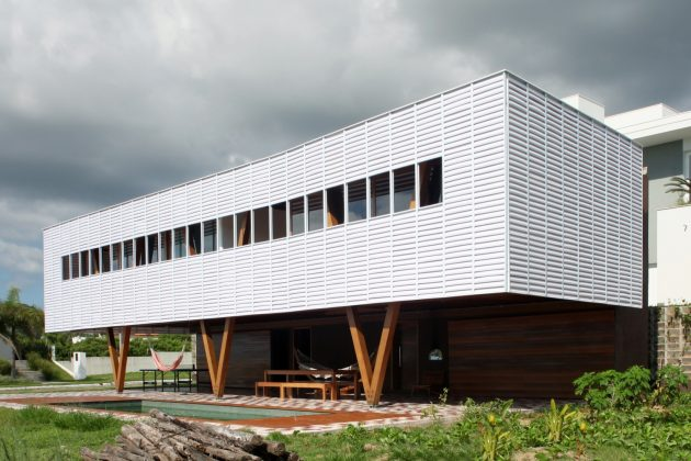 House in Florianopolis by Una Arquitetos in Brazil