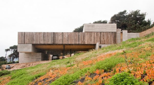 Mava House by Gubbins Arquitectos in Zapallar, Chile