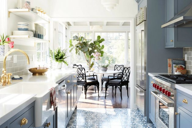Expert Architect Ideas To Space Out Small Kitchens