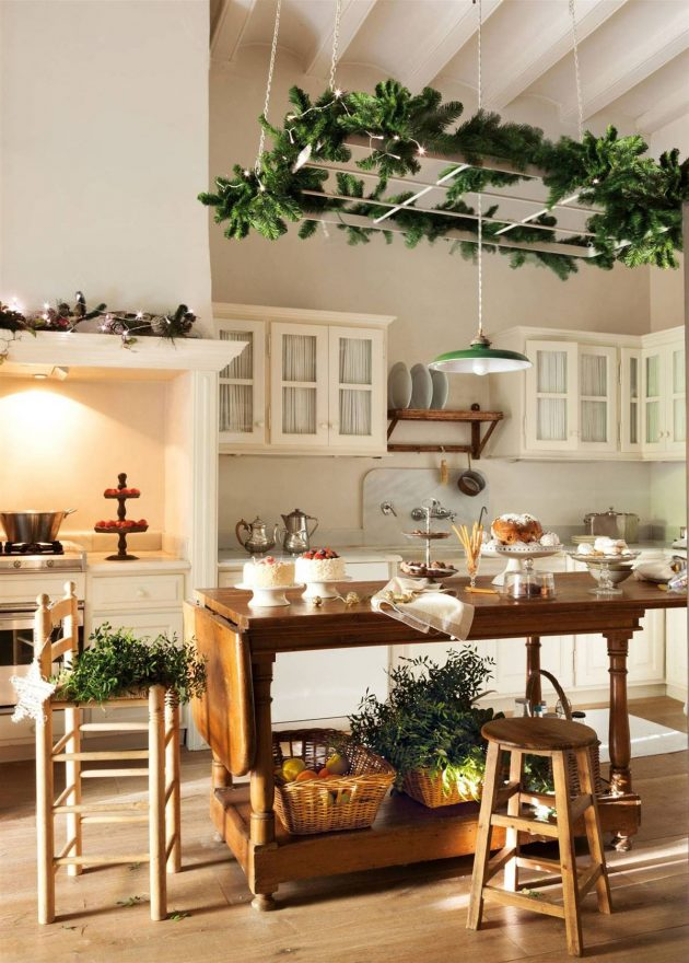 10 Kitchens Decorated For Christmas