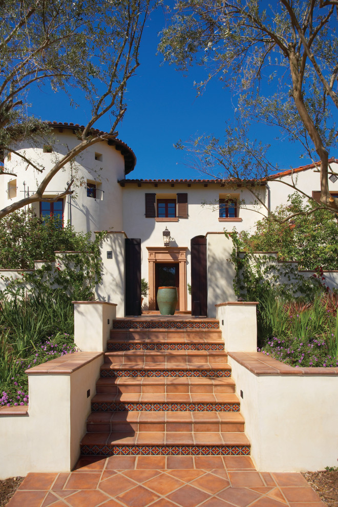 16 Exquisite Mediterranean Home Exterior Designs That Will Take Take Your Breath Away