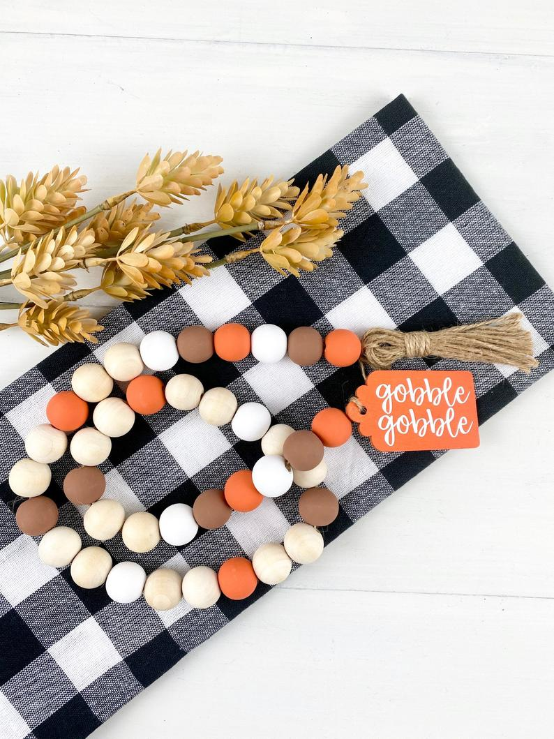 17 Colorful Thanksgiving Garland Designs For A Touch Of Fall In Your Home
