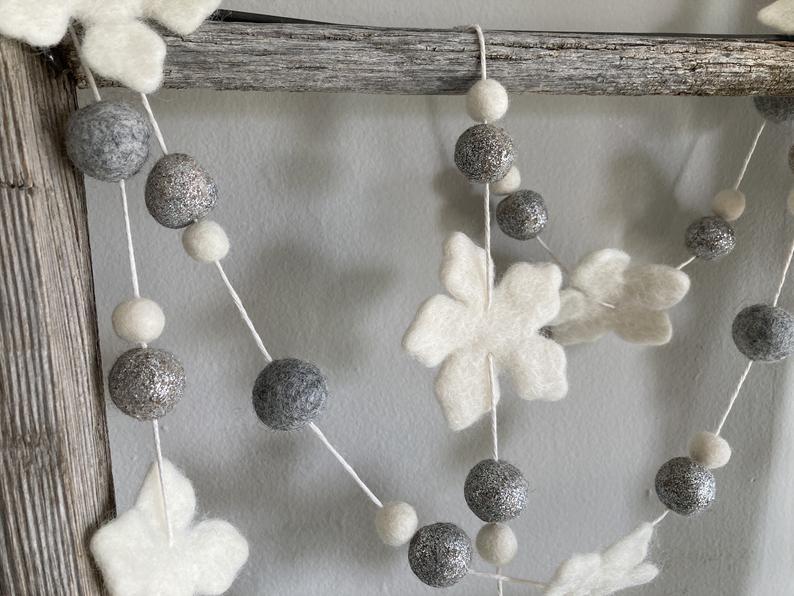 Eviniz ve Bahçeniz İçin 18 Sevimli Kış Çelenk Süslemeleri