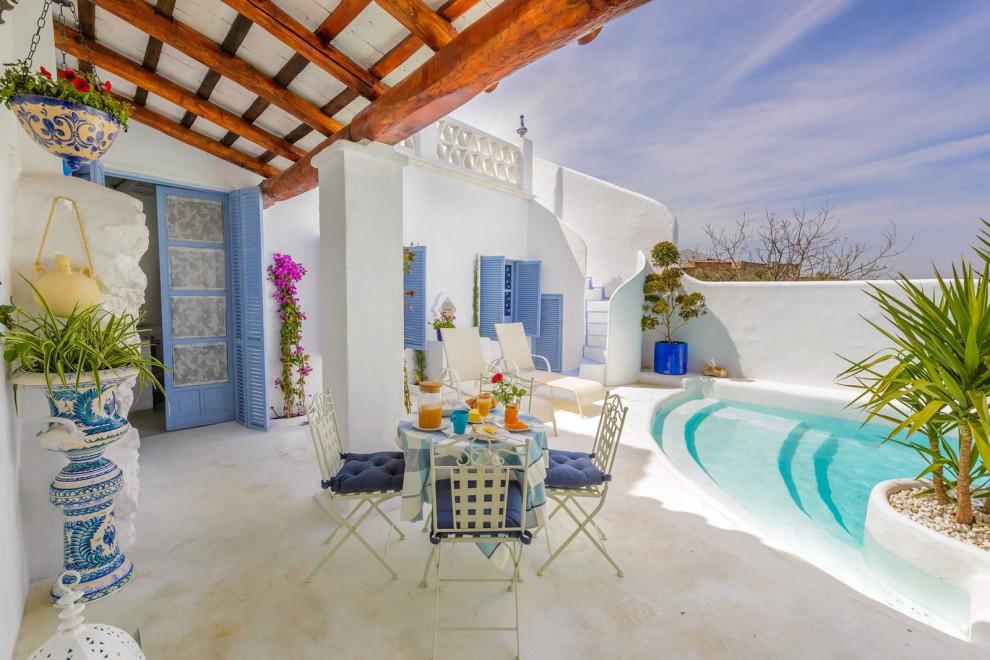 18 Sensational Mediterranean Swimming Pool Designs That Will Take Your Breath Away