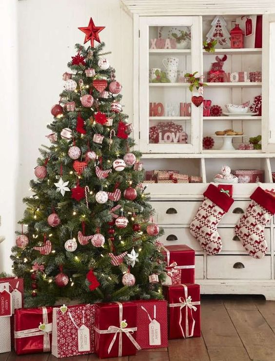 What Colors Will Your Christmas Be This Year?