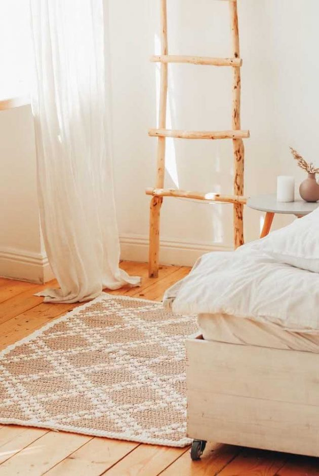The Most Wanted Crochet Rugs for the Bedroom