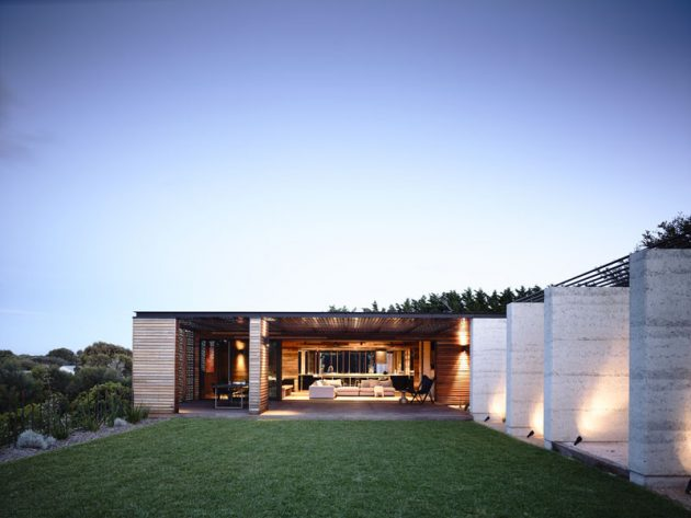 Blairgowrie Back Beach House by Wolveridge Architects in Victoria, Australia