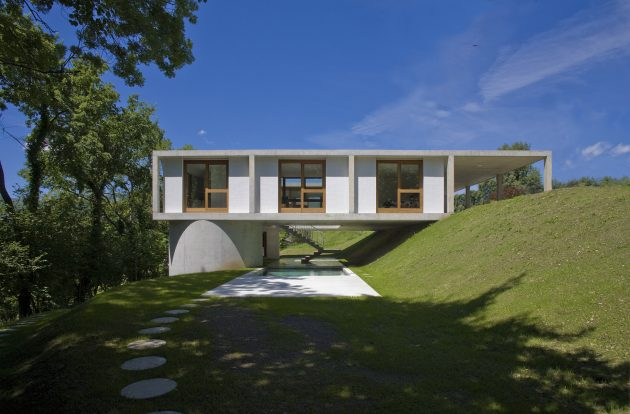 House in Sonvico by Martino Pedrozzi in Switzerland