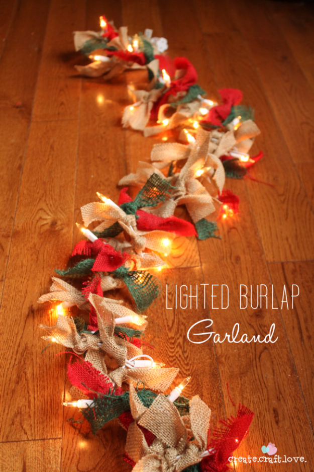 15 Easy DIY Christmas Light Ideas That Are Absolutely Charming