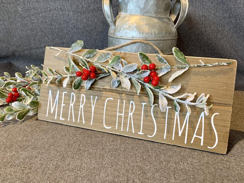 15 Wonderful Christmas Sign Decorations You Can Use Anywhere