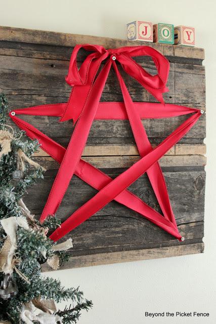 16 Beautiful DIY Christmas Decorations You Must Make