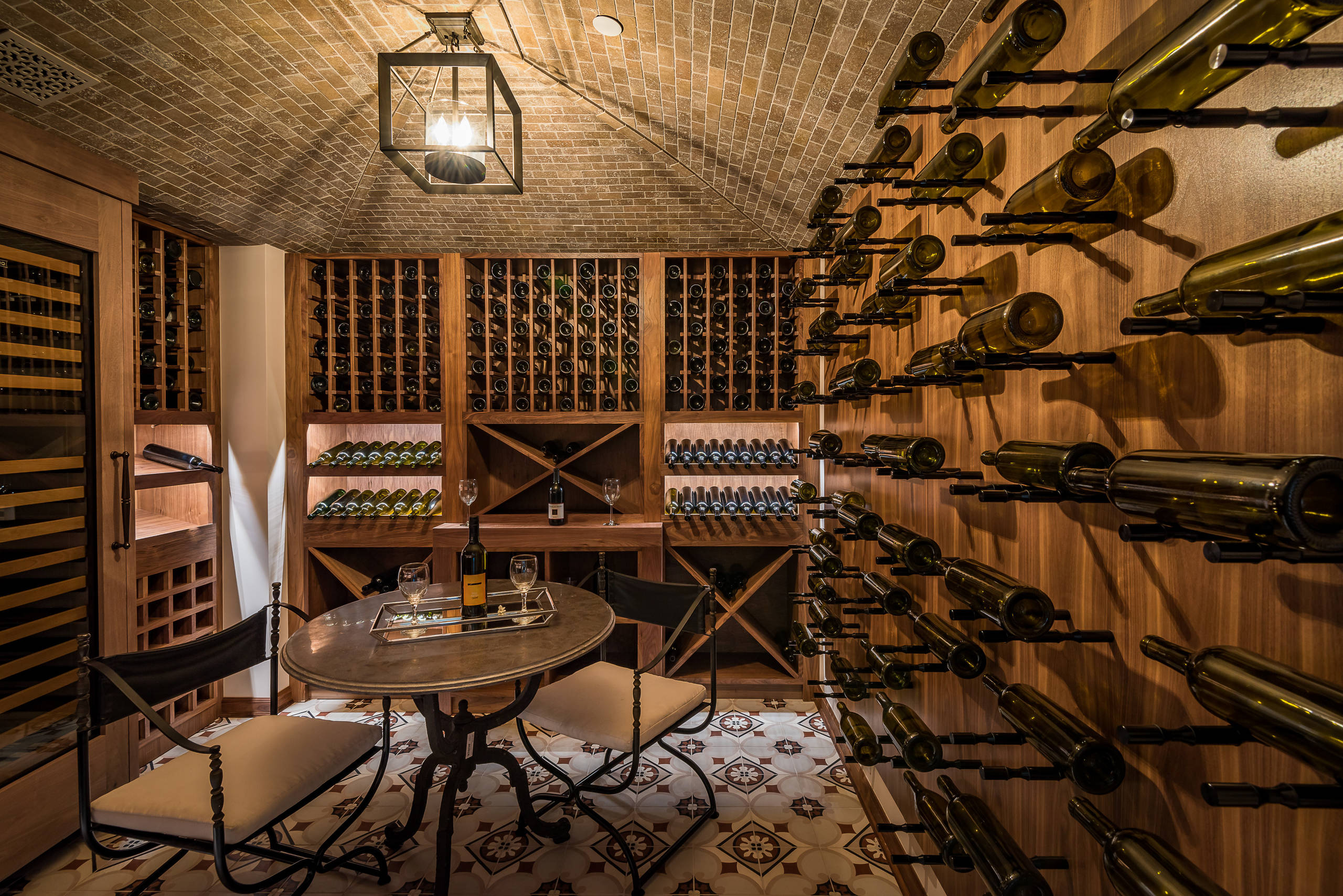 18 Exquisite Traditional Wine Cellar Designs For A Luxurious Addition