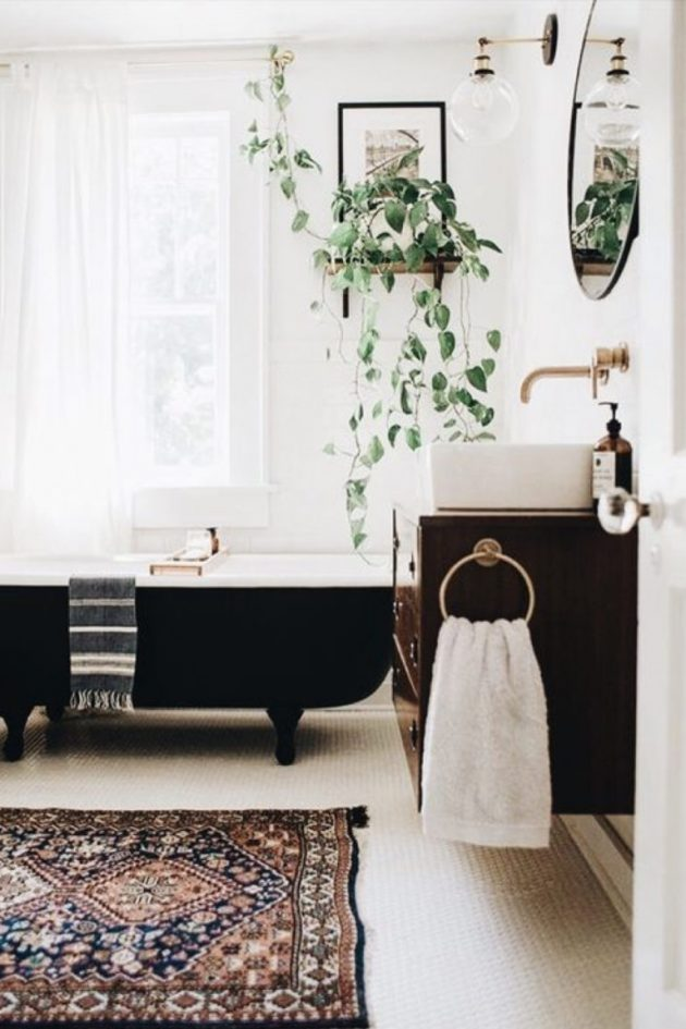 Classic & Chic Atmosphere in the Bathroom