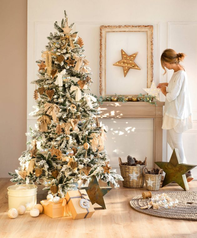Ideas to Decorate the Base of Your Christmas Tree
