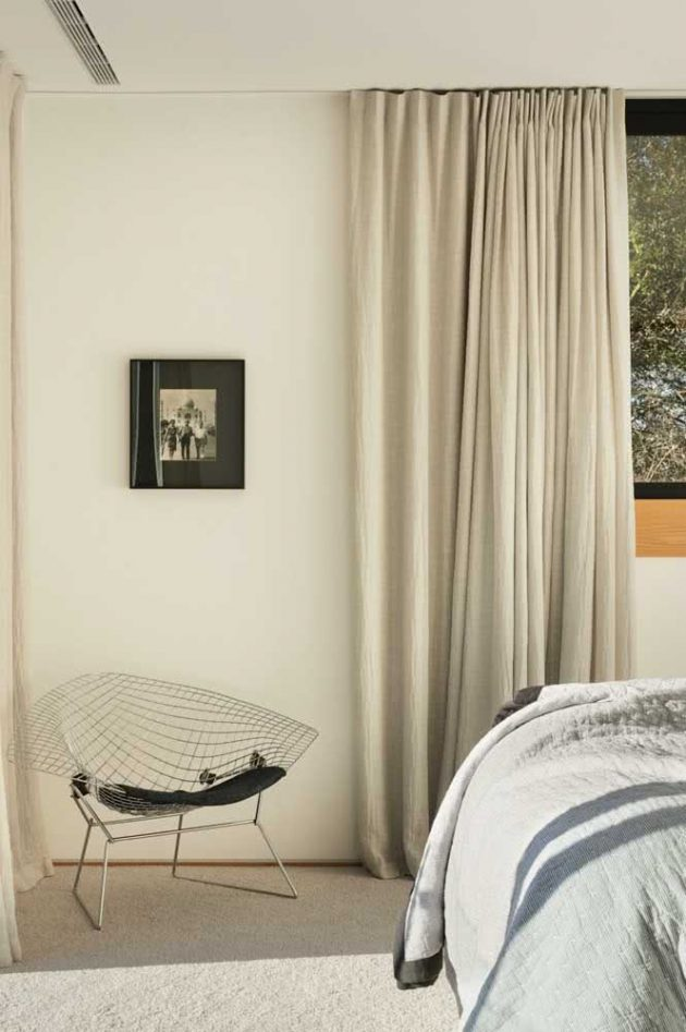 Decoration Tips Over the Bertoia Chair