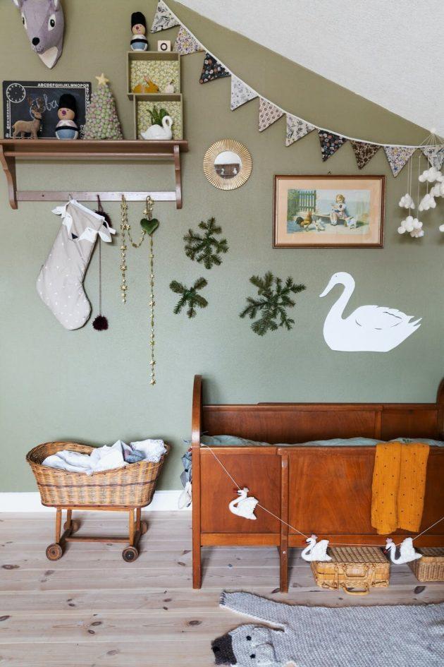 DIY Christmas Decorations at Home