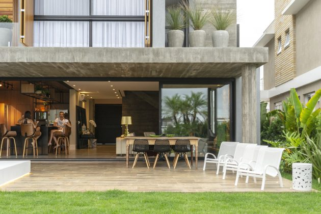 House 77 by Aunic Arquitetos in Xangri-La, Brazil