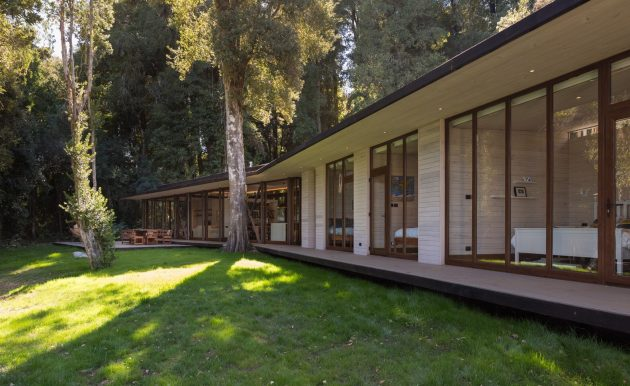 House on Lake Villarrica by Planmaestro in Chile